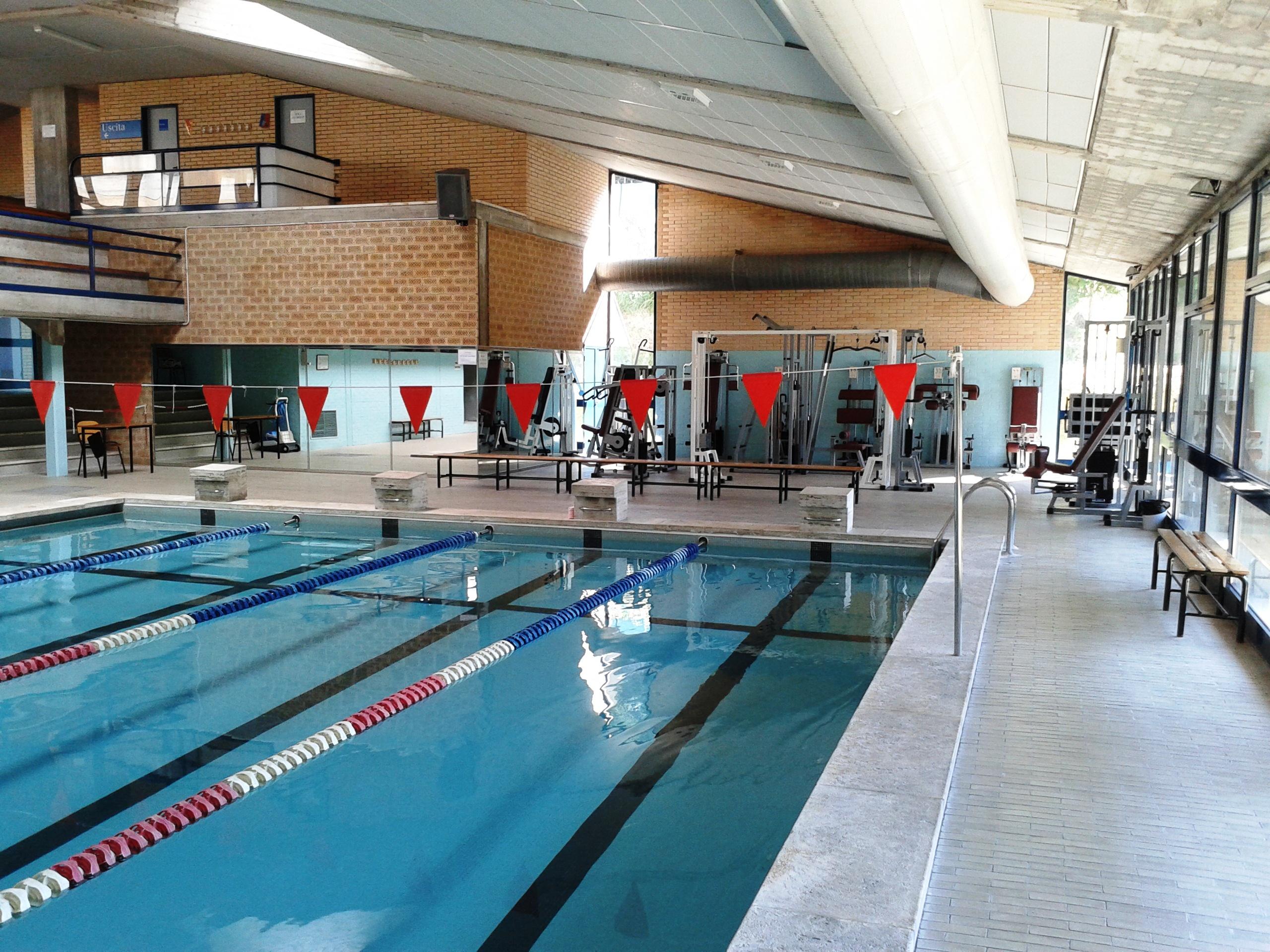 Universit degli studi di urbino carlo bo servizi e facilities impianto natatorio mondolce - Palestre con piscina torino ...